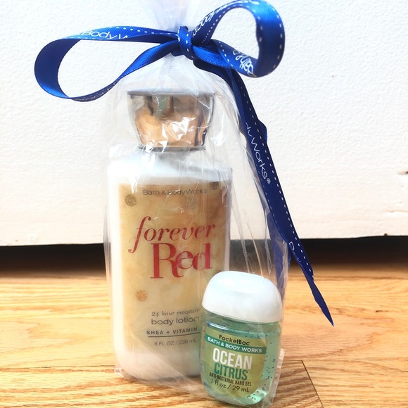 2 Pack Lotion and Hand Sanitizer Bath & Body Works